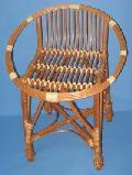 Taboret - krzes³o z niskim oparciem. ¶rednica 50 wys. 44/62
